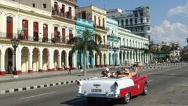 Biraz modern, çokça nostalji ülkesi: Küba