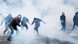 Avrupa'nın kalbinde isyan! Polisten sert müdahale!