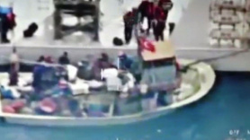 Türk balıkçı teknesi batırıldı: Yaralılar var