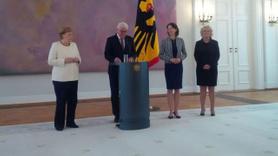 Angela Merkel, yine titrerken görüntülendi