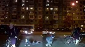 Çocuğunu iple bisiklete bağladı!