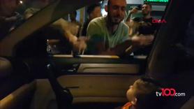 Protestocular bebeği sakinleştirmek için söyledi