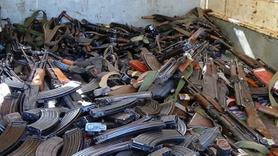 2 bin çete üyesi silah bıraktı