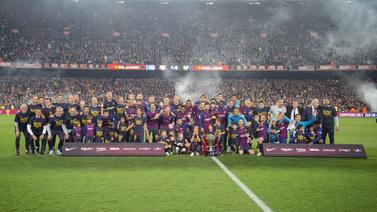 Barcelona ile Ajax üçleme peşinde