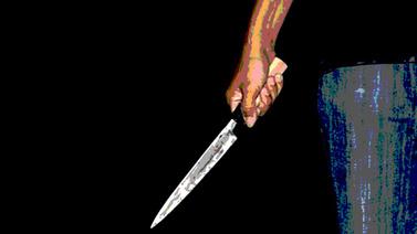 Ayrı yaşadığı eşini bıçakla öldürdü