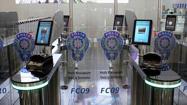 """""""Hızlı Pasaport Geçiş Sistemi"""" kullanıma açıldı"""