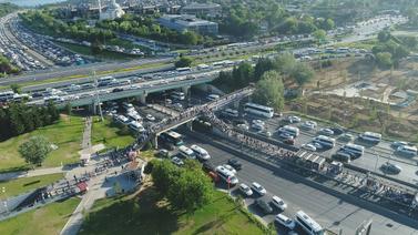İstanbul'da metrobüs çilesi!