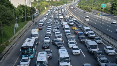 İBB'den metrobüs seferlerine düzenleme