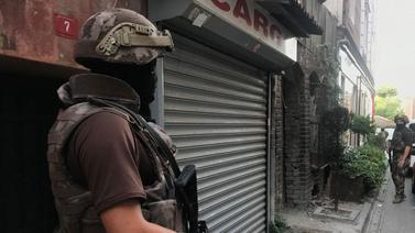 İstanbul'da 40 adrese eş zamanlı operasyon