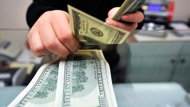 Dolar 5,75 liraya yükseldi, borsa düştü