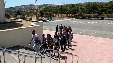 Yunan adalarına geçmek isterken yakalandılar