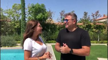 Antonis Remos, Ebru Yaşar'ın sesine hayran kaldı