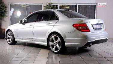 100 bin liraya Mercedes... Kuyruğa girdiler