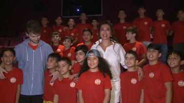 Ebru Yaşar Nusaybinli çocuklarla film izledi