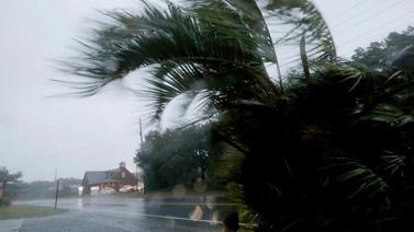 Dorian Kasırgası ABD'yi vurdu yüzlerce kişi mahsur