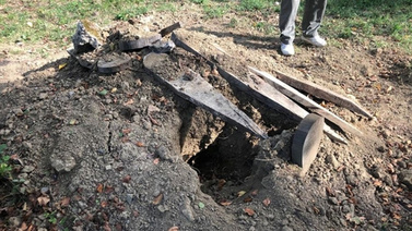 Mezarı iki kez kazılınca fotokapan kuruldu