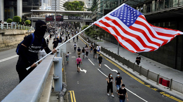 Protestoculardan Trump'a: Bizi özgürleştir!