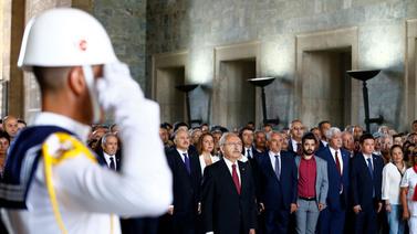 Kemal Kılıçdaroğlu Anıtkabir'i ziyaret etti