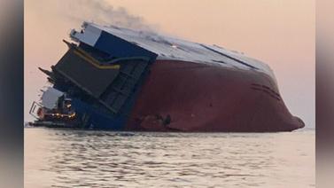 200 metrelik kargo gemisi böyle yan yattı