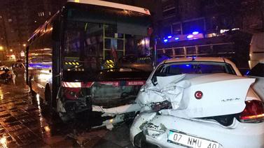 Halk otobüsü yoldan çıktı!.. Yaralılar var!