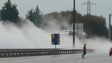 Kocaeli'de D-100'ü trafiğe kapatan sızıntı!