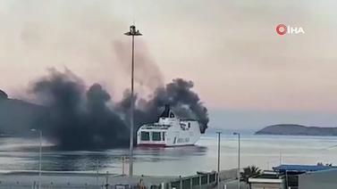 Yunanistan'da feribot yandı