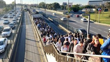 Metrobüs yoğunluğunun nedeni belli oldu!