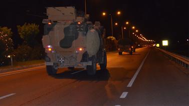 Sınıra gece yarısı komando ve mühimmat takviyesi