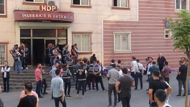 HDP binası önünde gerginlik