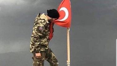 Ebru Yaşar'dan Mehmetçiklere destek mesajı