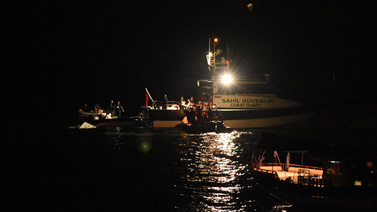 Bodrum'da mülteci botu battı! 3 kişi aranyor