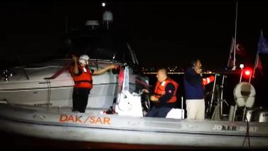 Tekne kaptanı yardım çağrısında bulundu ve...
