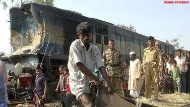 Bangladeş'te tren faciası!.. Çok sayıda ölen var!