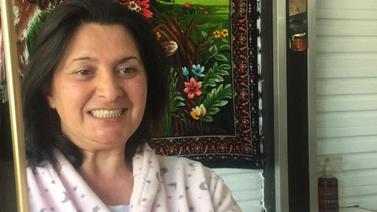 Dişlerinden olan kadın 'delirten hastalık' mağduru