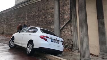 Dolmabahçe Sarayı önünde tuhaf kaza!