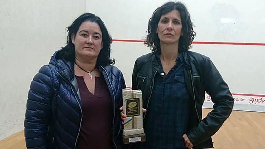 Şampiyon kadın sporculara ödül olarak vibratör verildi!