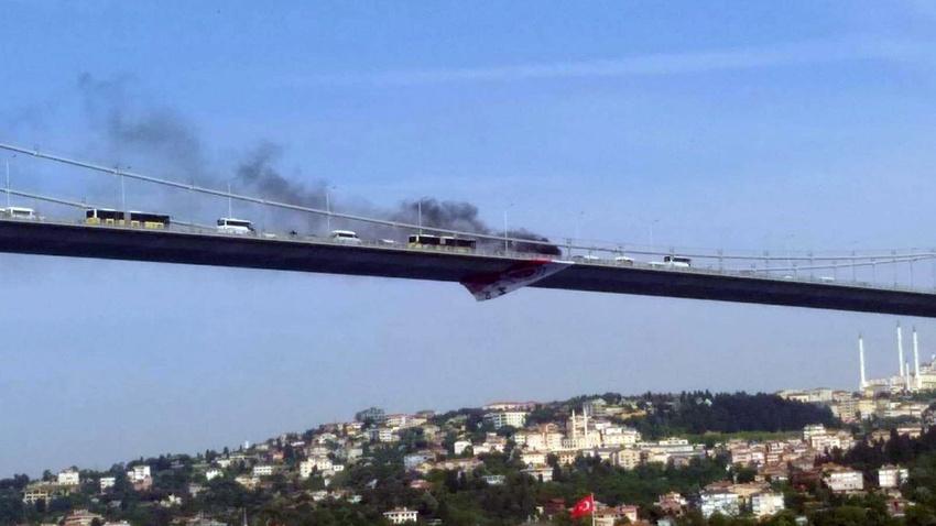 Önce aracını yaktı, sonra köprüden atladı