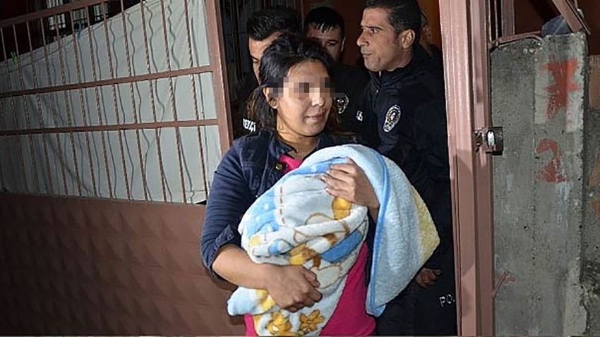 Bebeğini döverek öldüren anne hakim karşısında!