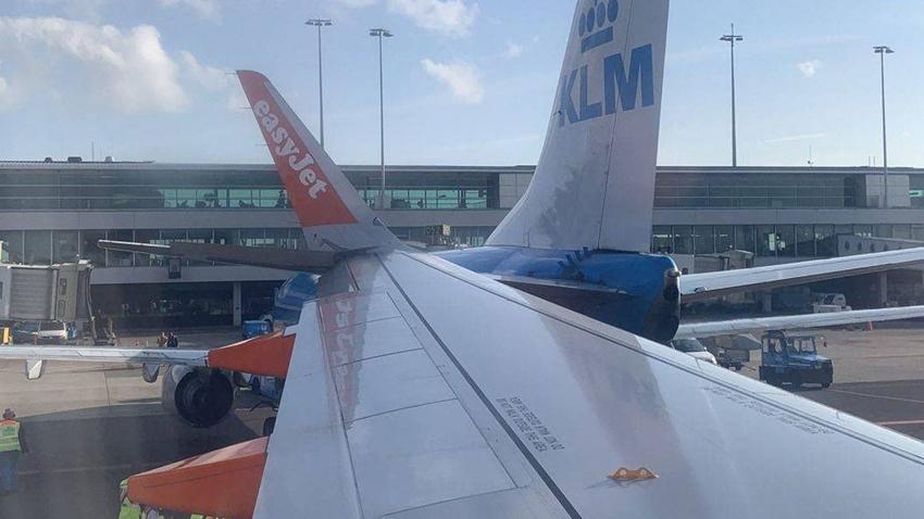 Hollanda'da iki uçak çarpıştı!