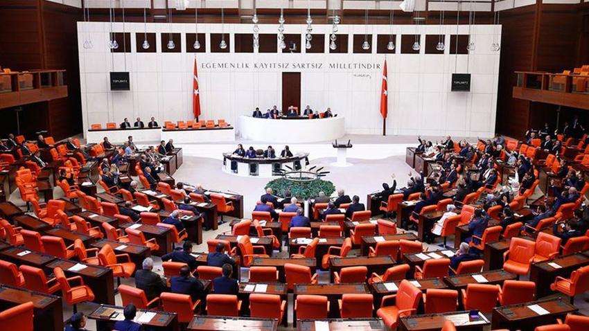 Meclis'te kabul edildi... Genel Kurul kararı aranmaksızın...