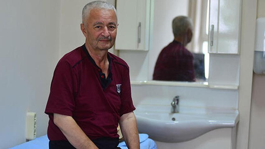 Ameliyat günü 5 kez kalp krizi geçirdi