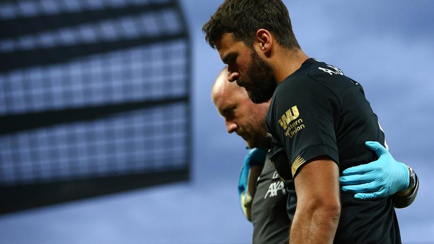Sakatlanan Alisson Becker İstanbul'daki Süper Kupa maçında yok