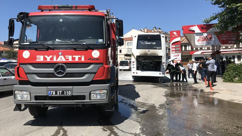 Tur otobüsü yandı, turistler ölümden döndü