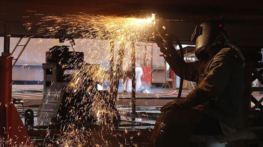 Sanayi üretimi yüzde 3,9 azaldı