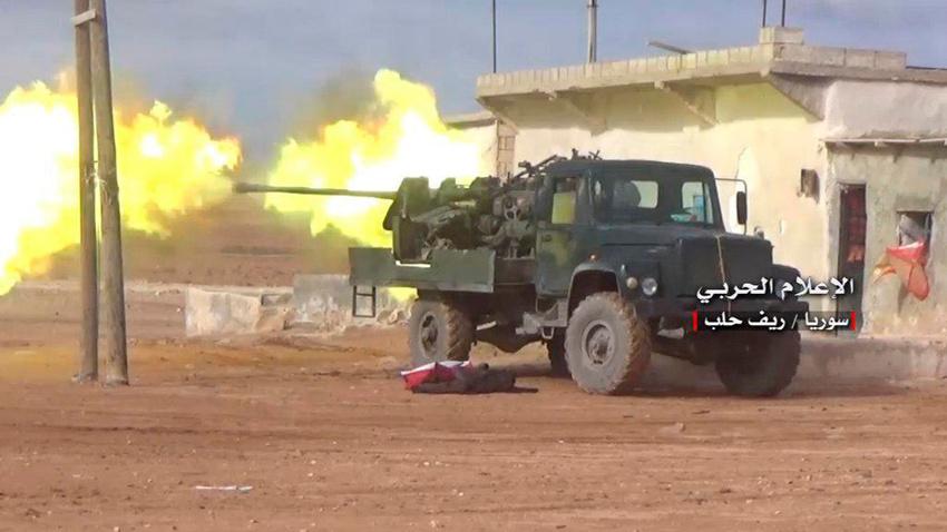 İdlib'den 60 bine yakın sivil Türkiye sınırına doğru kaçıyor