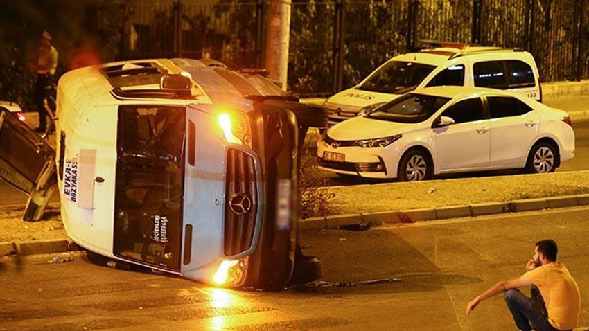 Korkunç kaza! Otomobil metrelerce aşağıya uçtu