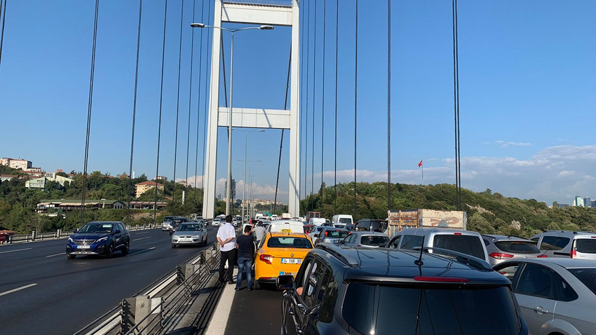 FSM'de polis operasyonu! Trafik durdu