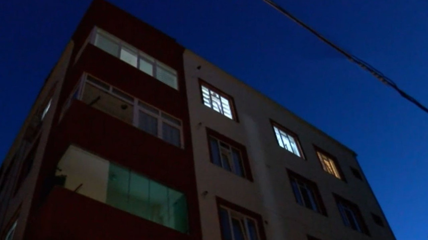 İstanbul'da korkunç olay!..  Eşi balkondan düşünce peşinden kocası atladı!