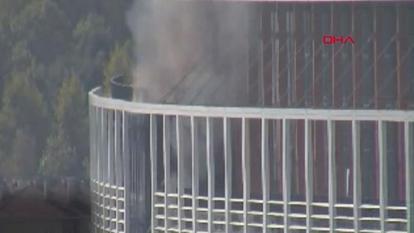 Kavacık'ta özel üniversitede yangın!