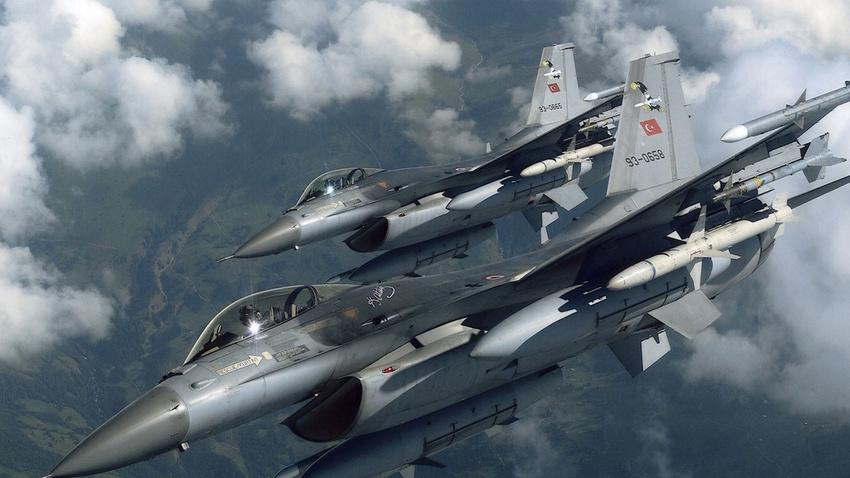 Kuzey Irak'ta hava harekatı: 2 terörist öldürüldü